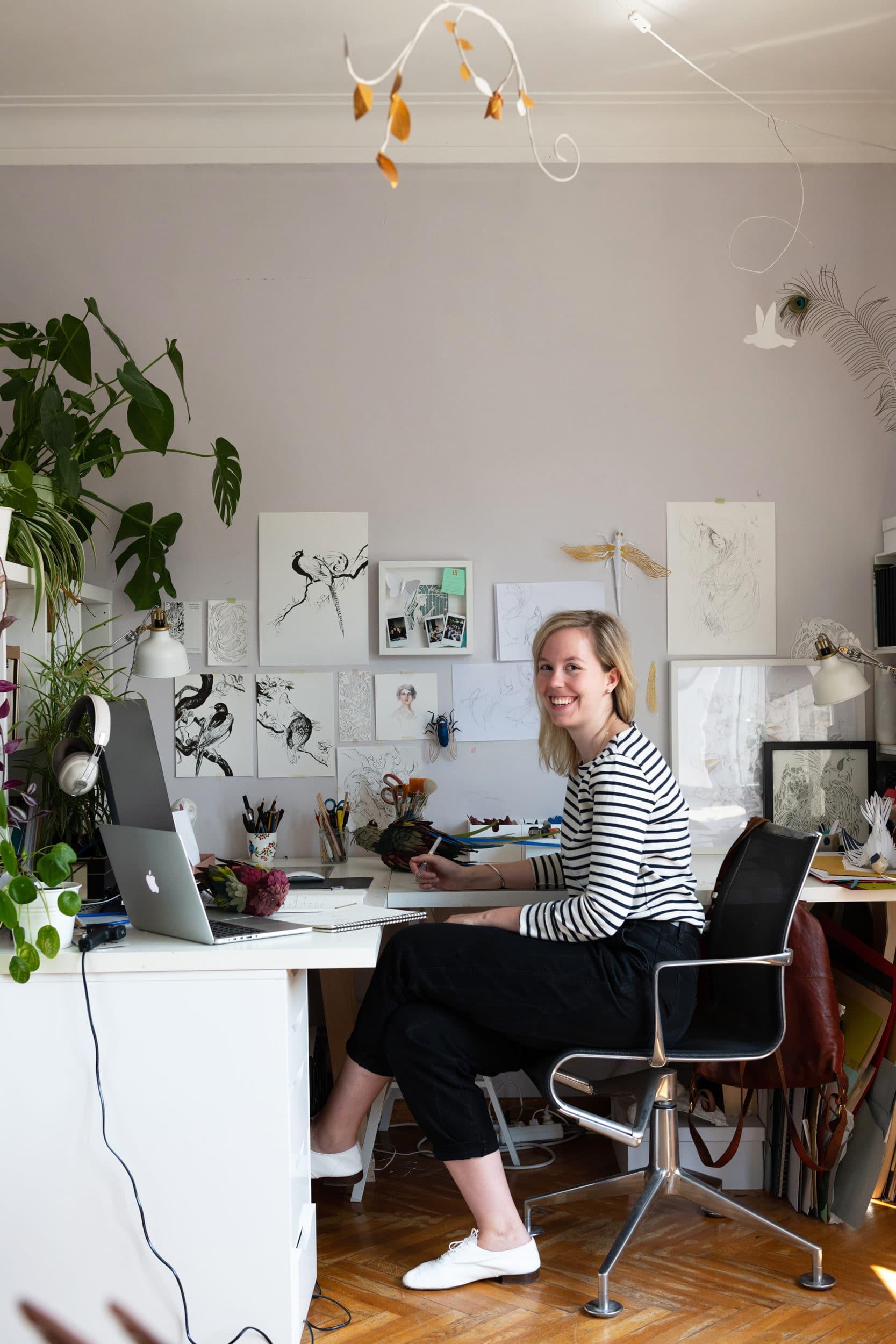 Paper artist & Graphic designer